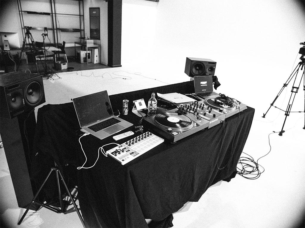 Fotostudio & Eventlocation-Mischpult-Livestream